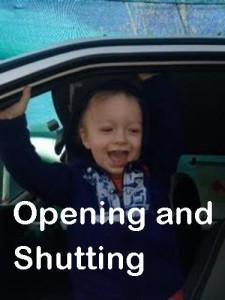 opening-and-shutting-toddler