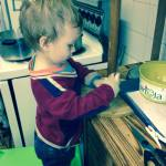 toddler-cutting-beans