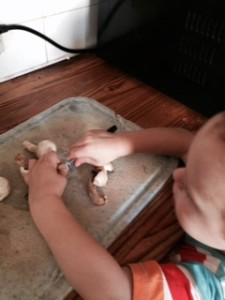 toddler-cutting-mushrooms