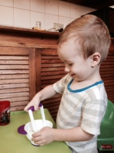 toddler-mashing